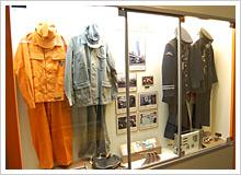 昔の運転手さんの制服や備品も展示してある