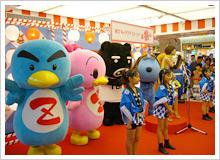 東京キャラクターストリートの中央に設けられたイベントスペース「いちばんプラザ」では、人気キャラクターの撮影会などさまざまなイベントを随時開催