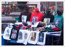 オバマグッズ販売が大盛況のブルックリンの黒人コミュニティ。