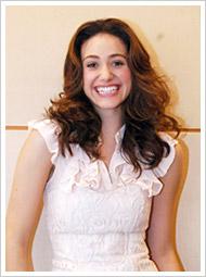 『DRAGONBALL EVOLUTION』でブルマ役を演じるエミー・ロッサム。『オペラ座の怪人』『デイ・アフター・トゥモロー』(2004年)などに出演した実力派女優