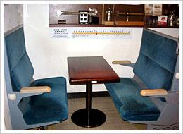 鉄道のボックスシートで食事が楽しめる